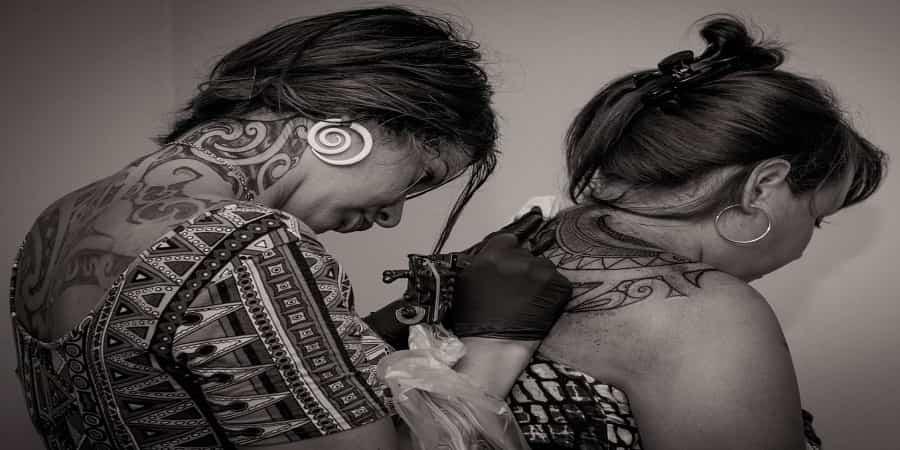 women polynesian tattoos